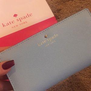 Kate Spade Newbury Lane Wallet 🌿